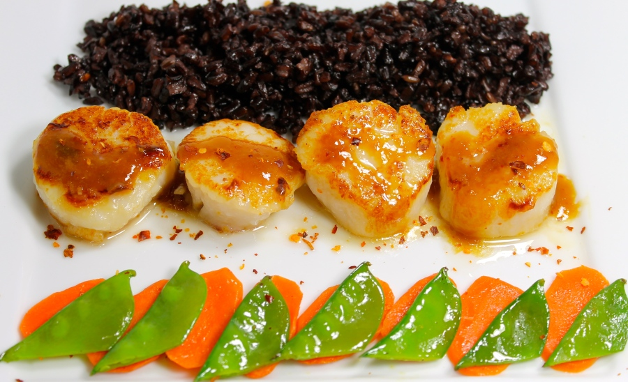 Seared Sea Scallops With An Orange Ponzu Reduction