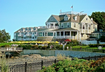 Have Lunch Under An Umbrella At The Terrace Of The Bar Harbor Inn