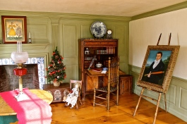 parlor of 1730 historic home