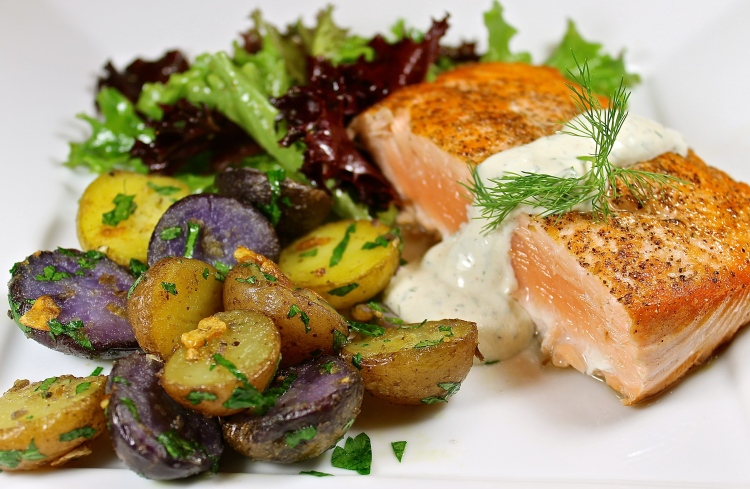 Seared Salmon With Mustard Dill Sauce