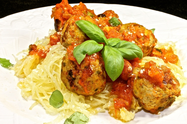Spaghetti Squash And Chicken Meatballs Marinara