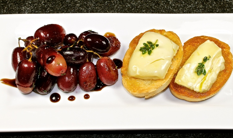 Roasted Grapes And Warm Brie Bruschetta