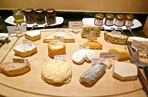 Wonderful Selections On The Cheese Board