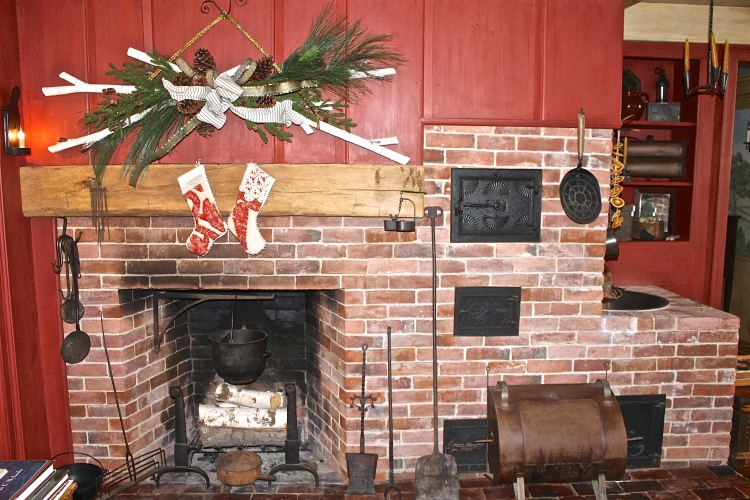 Can You Imagine Doing All Your Cooking In This Hearth