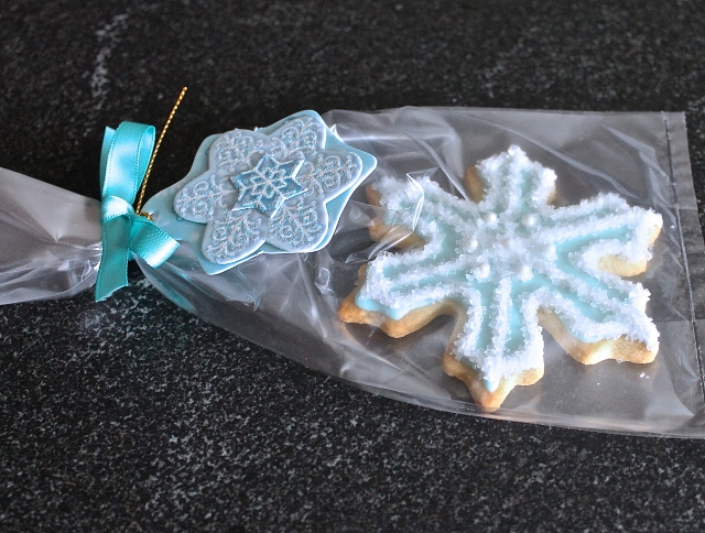 Tiffany Snowflakes For Guests To Take Home