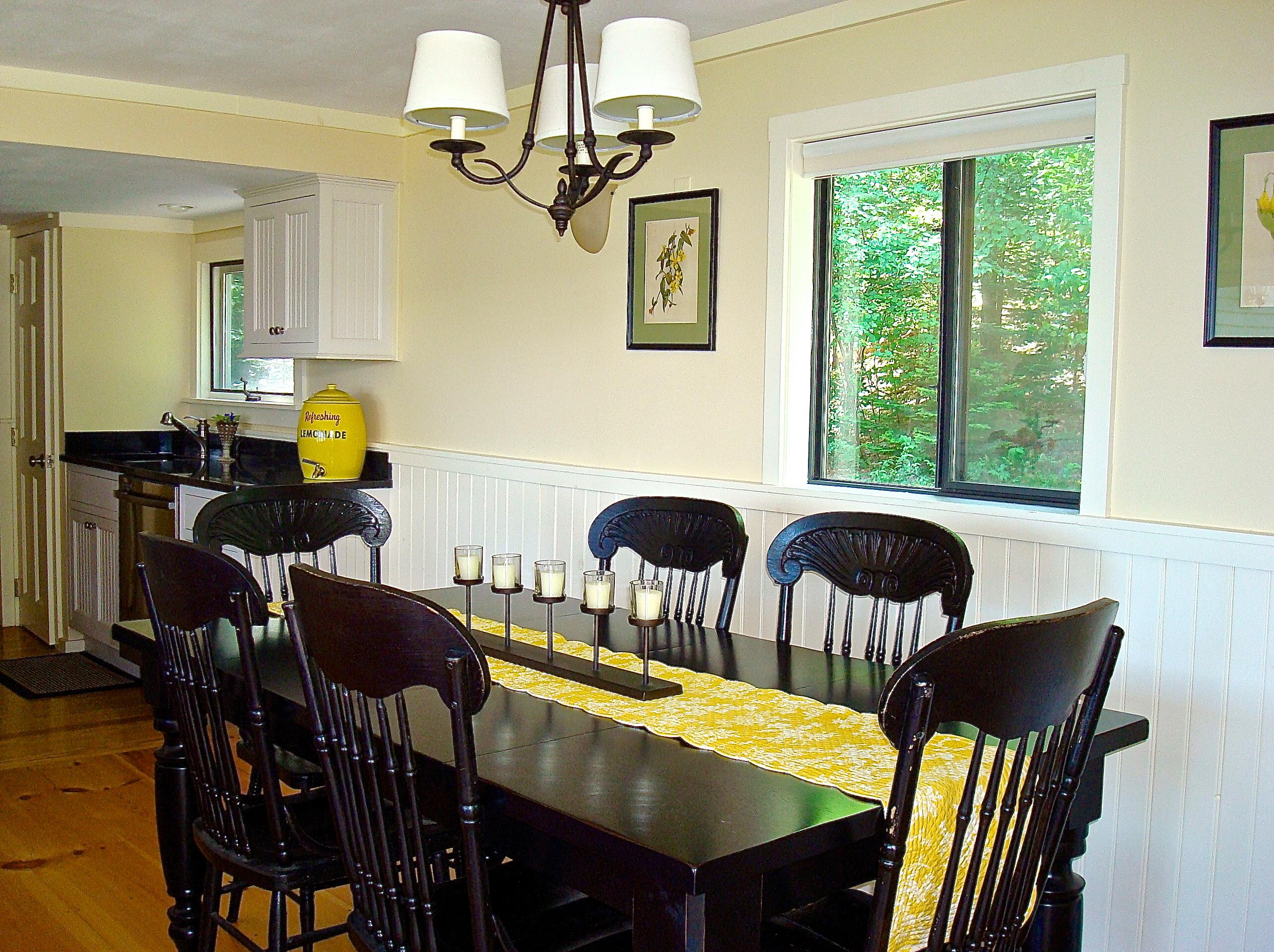 Maine cottage dining room