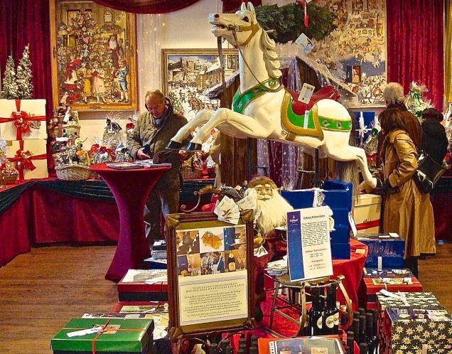 Dallmayr Christmas Display