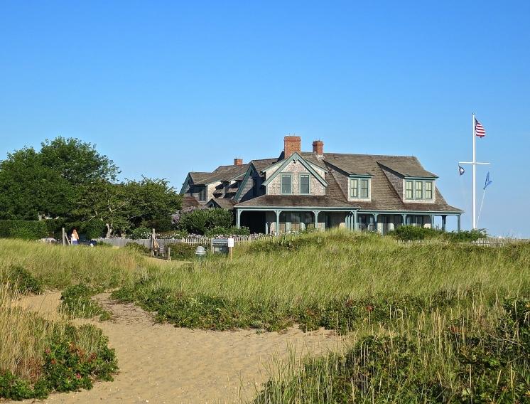 Nantucket Beach Side Home