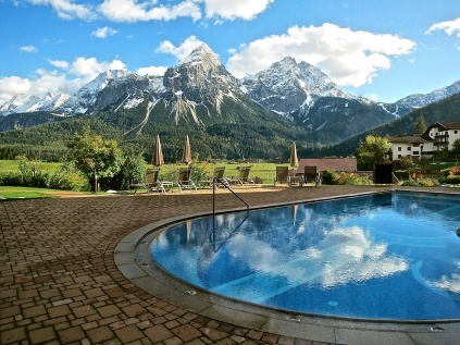 The Outdoor Pool