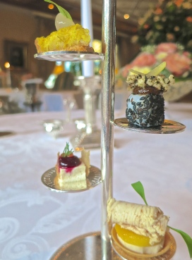 Restaurant bareiss deserving of its three michelin stars back road journal - Etagere derriere canape ...