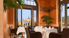 The Quarre Restaurant And Terrace With A View Of The Brandenburg Gate