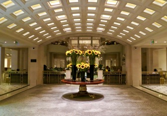 Adlon Foyer