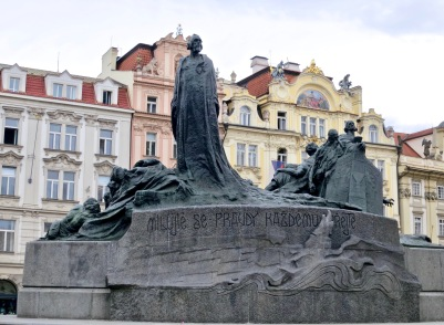 Jan Hus Memorial, Old Town Square
