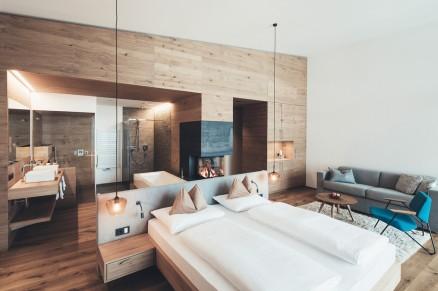 Nesslerhof's Suite Weitblick With Fireplace And Open Floor Plan