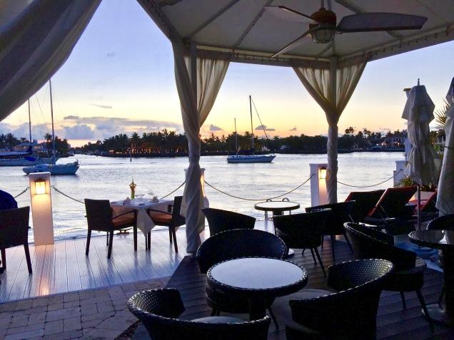 Cocktails Or Dinner Dockside In Nice Weather