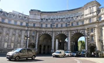 Admiralty Arch, Plans Are To Turn It Into A Hotel