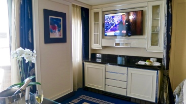 The Suite's Bar And Entertainment Area