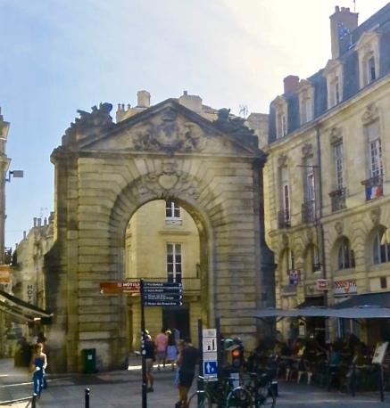 Porte Dijeaux