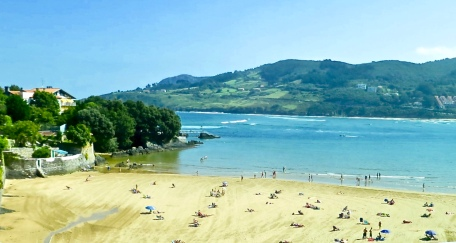 Beautiful Basque Beachside
