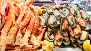 Chilled Alaskan King Crab Legs And Mussels