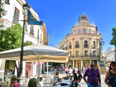 Shopping Street And The El Gallo Azul