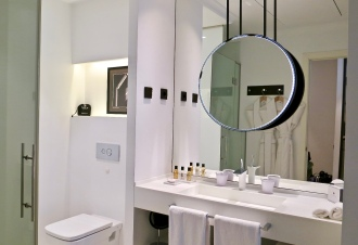 Bathroom Grand Deluxe Room The Serras