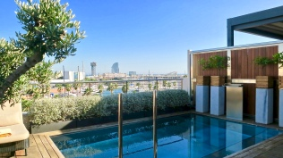 The Rooftop Plunge Pool At The Serras