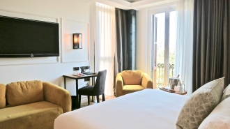 A Grand Deluxe Room At The Serras
