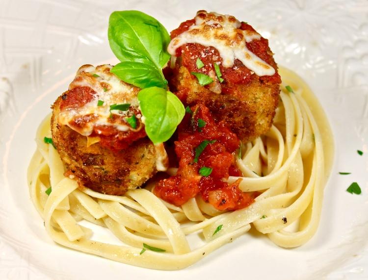 Crispy Chicken Parmesan Meatballs