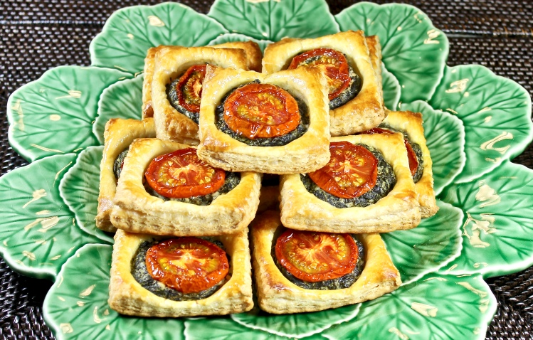 tomato, spinach and goat cheese puff pastry tarts