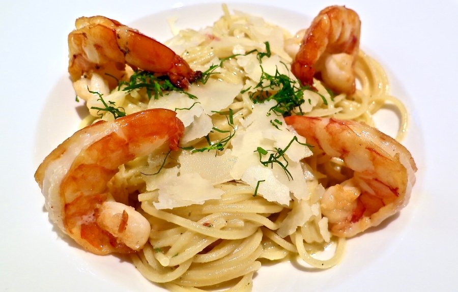 Spaghetti With Fried Prawns