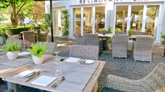 Riva Outdoor Terrace Dining