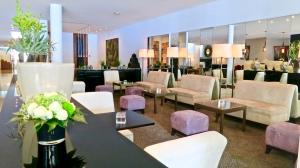 Riva Lounge