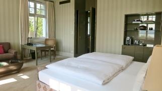 Villa Deluxe Bedroom