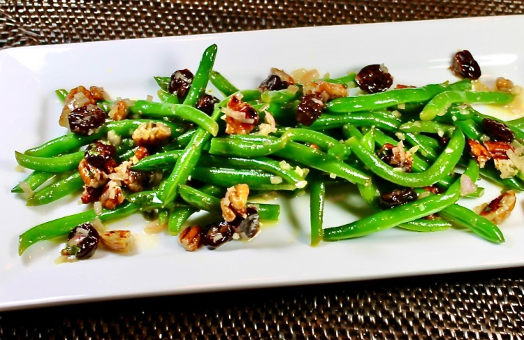 Green Beans With Pecans And Tart Cherry Vinaigrette