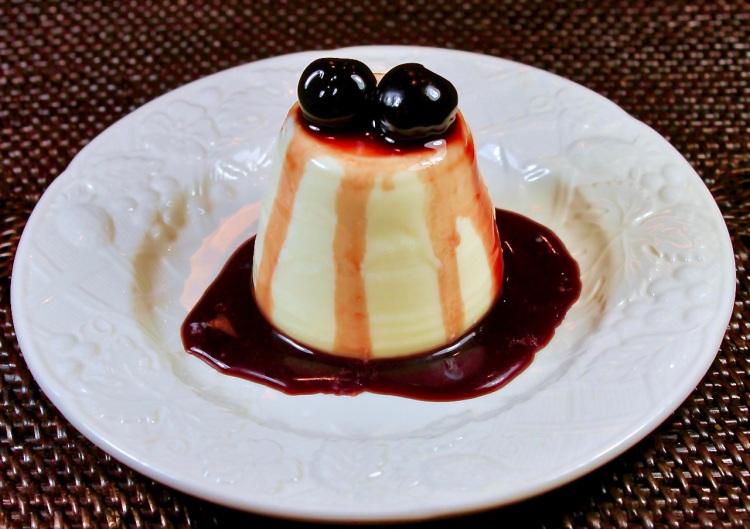almond panna cotta with cherries