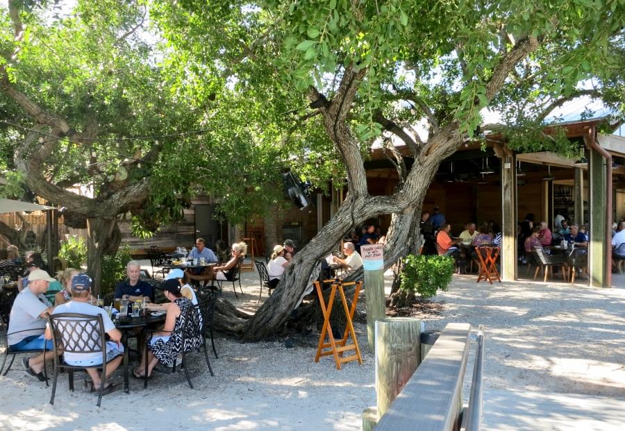 mar vista outdoor dining