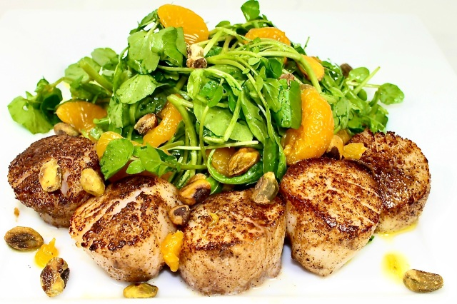 scallops with watercress, orange and pistachio salad