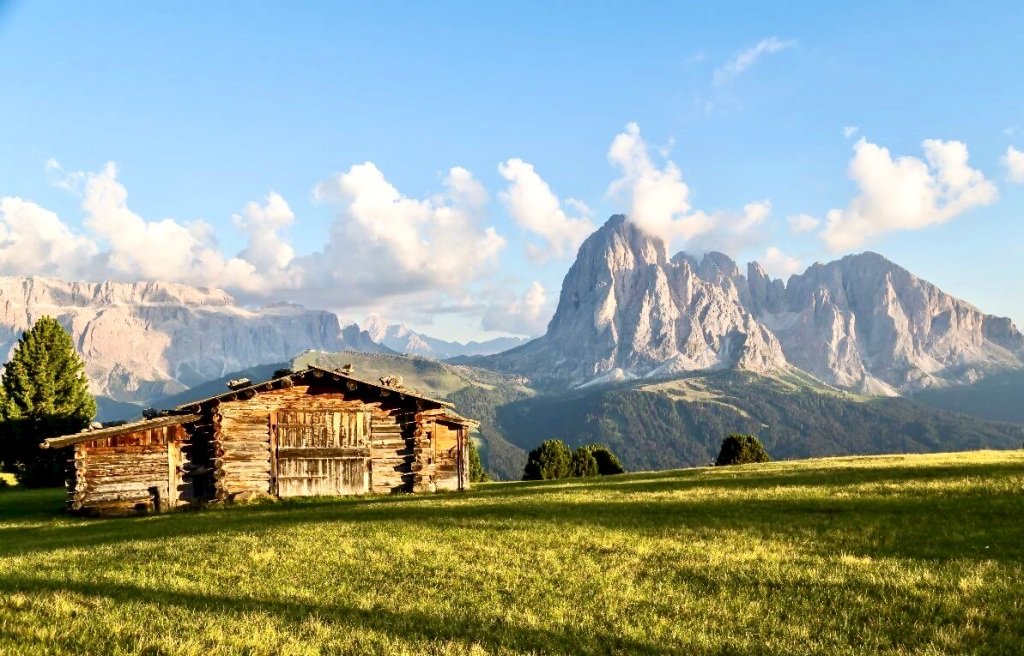 summer hiking in the Dolomites