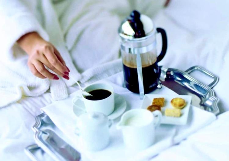 room serve breakfast