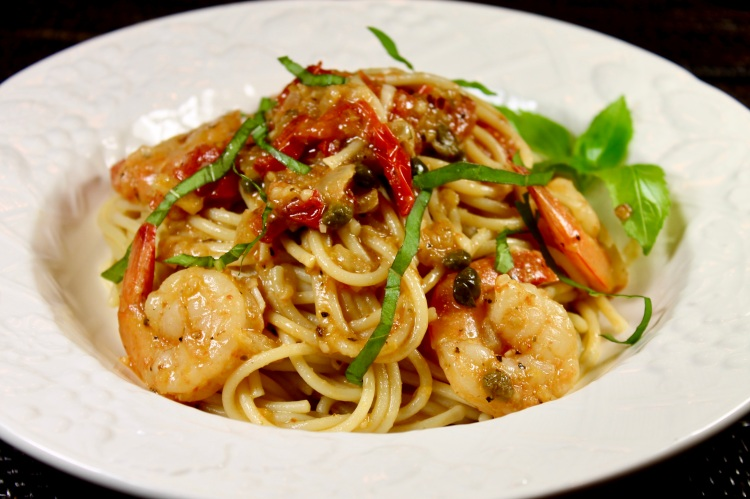 linguine with shrimp, tomatoes and capers