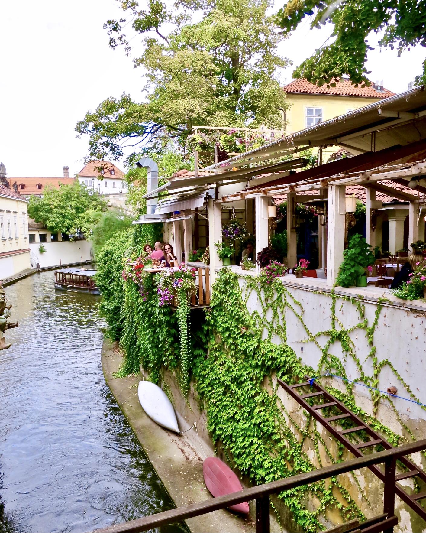 restaurant on Kampa Island