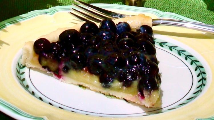 blueberry tart with lemon curd